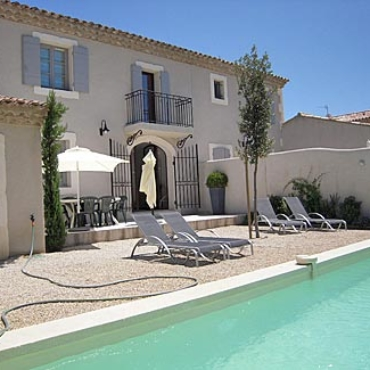 Holiday cottage Papillon in Saint-Remy-de-Provence, yearly rental with terrace and swimming pool