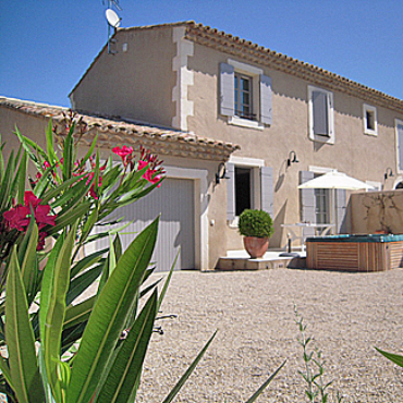 Cottage Glycine yearly rental with heated spa in Saint-Rémy-de-Provence