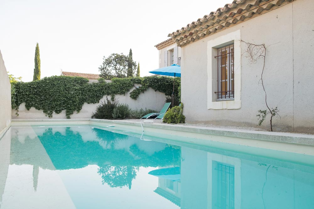 Swimming pool house Papillon Mititia residence Provence
